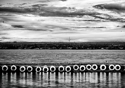 O Lago e a Torre