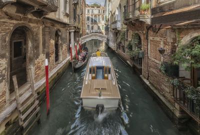 Série Veneza - Lancha no Canal