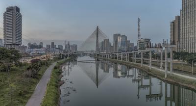 Série São Paulo - Panorâmica da Ponte Estaiada ao entardecer