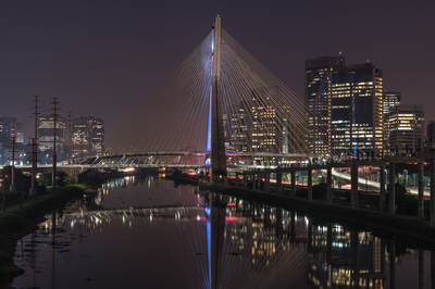 Série São Paulo - Ponte Estaiada à noite