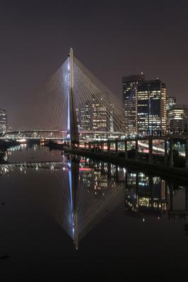 Série São Paulo - Retrato da Ponte Estaiada à noite