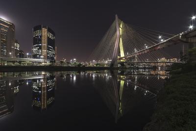 Série São Paulo - Rio Pinheiros e a Ponte Estaiada
