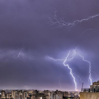 Série Raios - Noite de Tempestade I