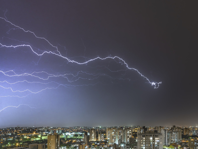 Série Raios - Noites de Tempestade III
