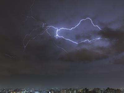 Série Raios - Noites de Tempestade VII