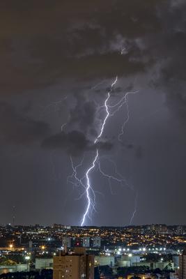 Série Raios - Noites de Tempestade VIII