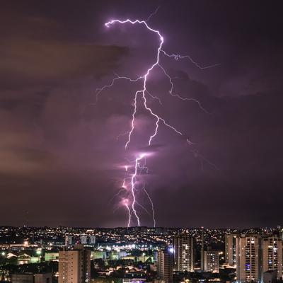 Série Raios - Noites de Tempestade IX