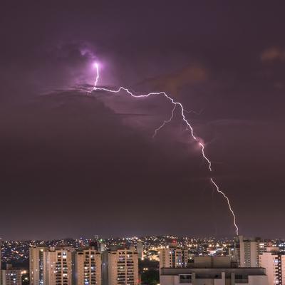 Série Raios - Noites de Tempestade X