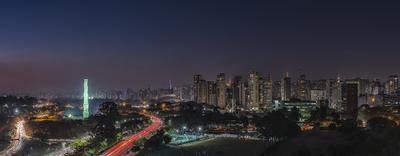 Série São Paulo - Panorâmica Ibirapuera e skyline noturna - vista do MAC