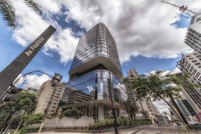 Série São Paulo - Avenida Paulista com seus edifícios espelhados