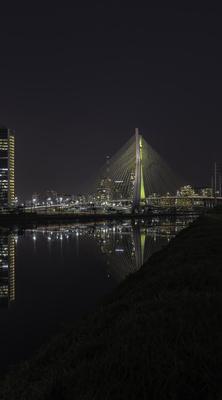 Série São Paulo - Noturna de edifícios e seus reflexos às margens do Rio Pinheiros - 5