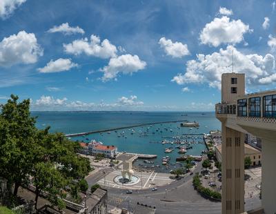 Série Salvador - Vista da Baia de Todos os Santos do alto do Elevador Lacerda, centro histórico, Bahia, Brasil