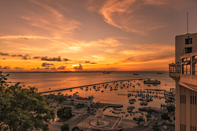 Série Salvador – Pôr do Sol na Baia de Todos os Santos do alto do Elevador Lacerda, centro histórico, Bahia, Brasil