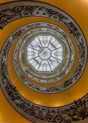 Série Degraus - Vista de baixo da Escadaria do Museu do Vaticano