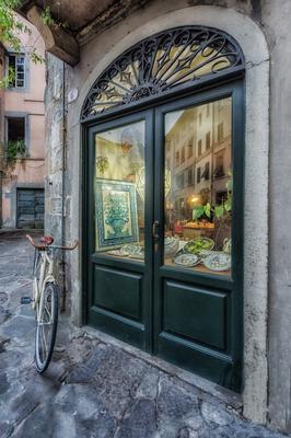 Série Toscana - Lucca Bicicleta e Vitrine