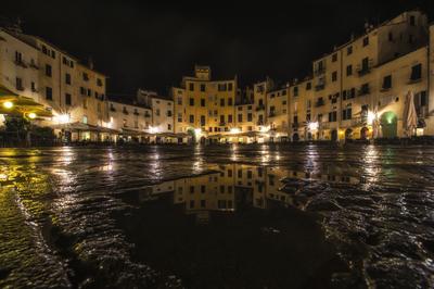 Série Toscana - Reflexos de Lucca após a chuva