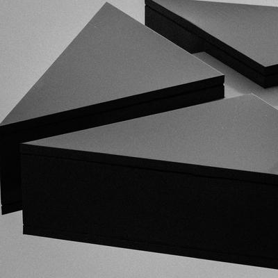 triângulos negros_2