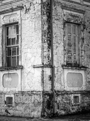 esquina com janelas