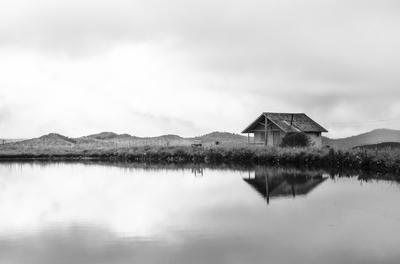 Lago e cabana