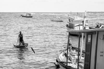 Pescador na Barra do Forte - BA