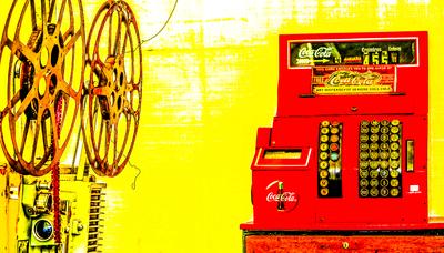 Caixa Registradora Coca-cola e Máquina de Passar Filme - Nostalgia
