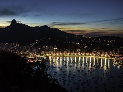 Anoitece no Rio