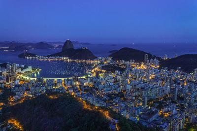 Cidade maravilhosa iluminada
